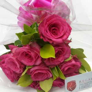 Elegant mix of Fresh cut pink Roses regal flowers