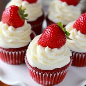 Strawberry-Red-Velvet-Cupcake