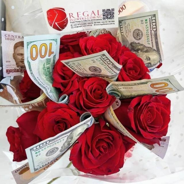 FleurMazing – VIP Arrangement Of Flowers And Real Mint Currency      select  option