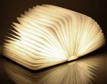 Lampada-a-forma-di-libro-e1550500699561.jpg