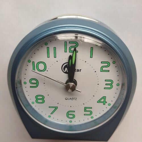 Mini reloj despertador