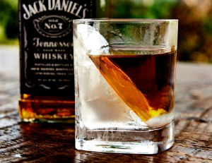 Corkcicle Whiskey Wedge - (Double Old Fashioned Glass + Silicone Ice Form)