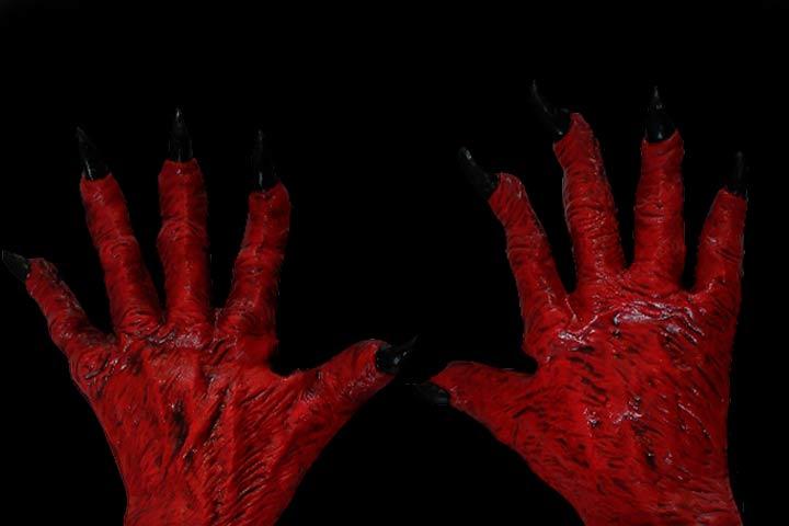 Tormentato dal diavolo, mani del diavolo