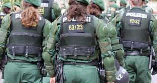Symbolbild Polizei-Einsatz Fußball-Randale