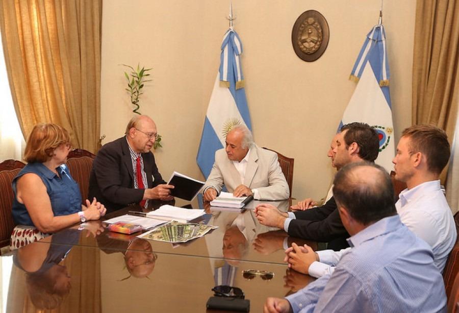 Científico de la NASA visitó la Casa de Gobierno de la provincia de San Juan