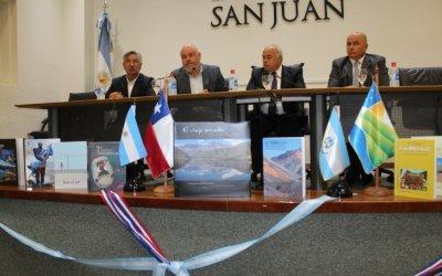 Región de Coquimbo obsequió libros regionales a San Juan