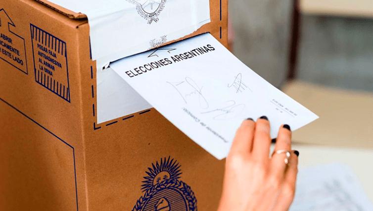 Elecciones: los argentinos en Chile podrán votar por correo postal