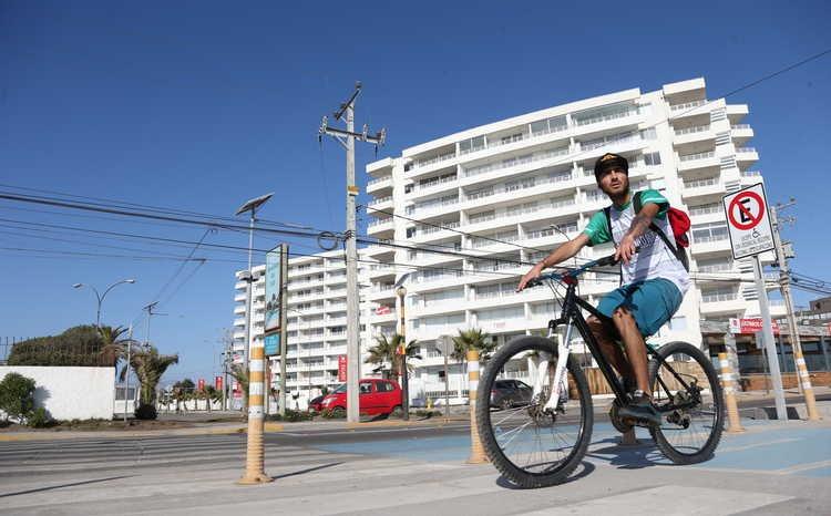 Más de mil personas transitan diariamente por ciclovía de Avenida del Mar