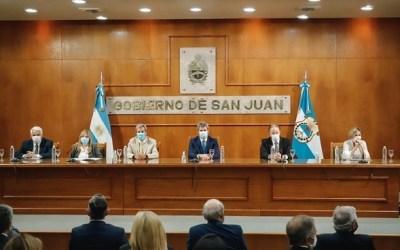 Uñac presentó líneas de créditos por $1900 millones para el desarrollo de la actividad productiva y de servicios