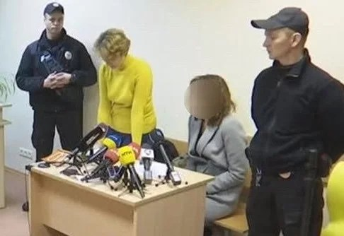 Жінку, що втопила власних дітей арештувала на 2 місяці, вона захищається – відео