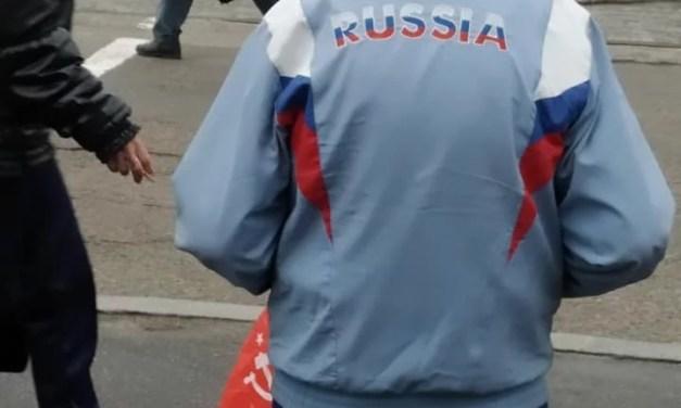 Біля вічного вогню в Запоріжжі шанувальники Леніна демонстрували зневагу до України