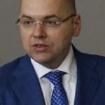 Міністр Степаненко повідомив, що COVID-19 безкоштовно лікуватимуть не у всіх