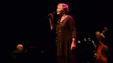 Photo of Heleen uit Hippolytushoef grote winnaar van Ouderen Songfestival