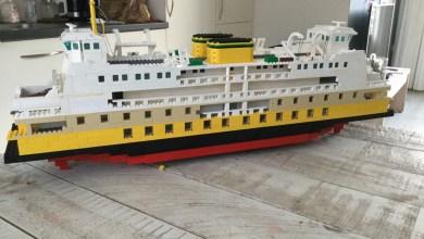 Photo of LEGO-replica van veerboot Molengat