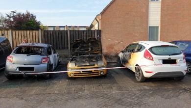 Photo of Drie auto's door brand vernield