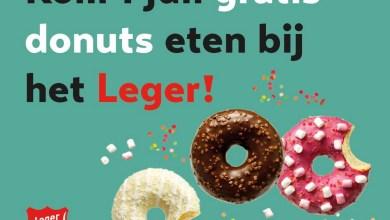 Photo of Leger des Heils deelt donuts uit