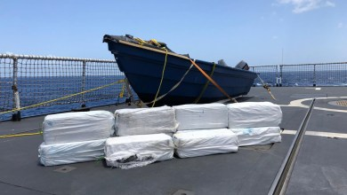 Photo of Zr.Ms. Zeeland vangt 350 kilo drugs