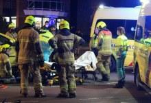 Photo of Fietser bekneld onder auto bij aanrijding