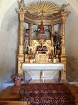l'autel et la Vierge