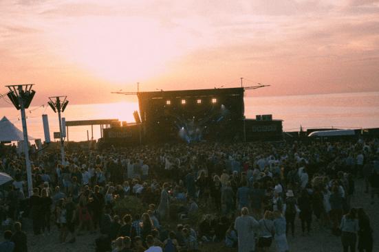 Udsigt Strandscenen Musik I Lejet