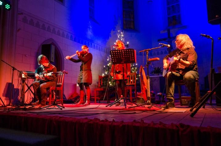 Buckley´s Chance - Acoustic World Music, Konzert am 11.12.2015 in der Friedenskirche Leipzig; Foto: Andreas Reichelt