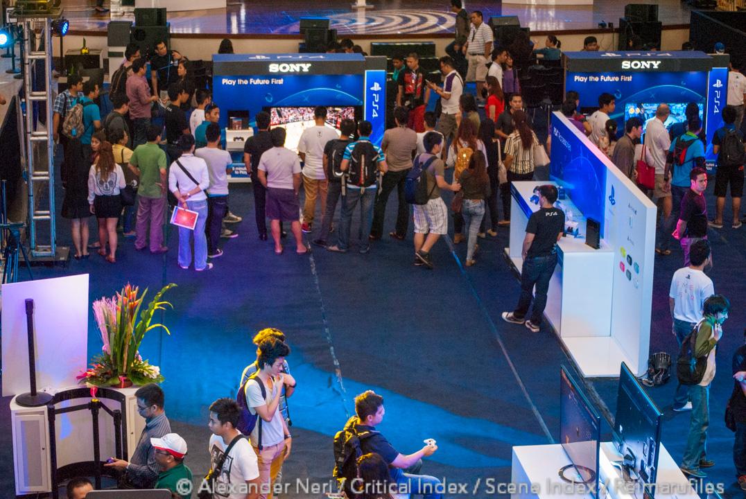 ps4_launch_glorietta_15_jan_2014_philippines-1