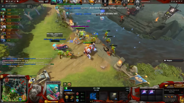 Mineski's raging.potato getting an early double kill at middle lane.