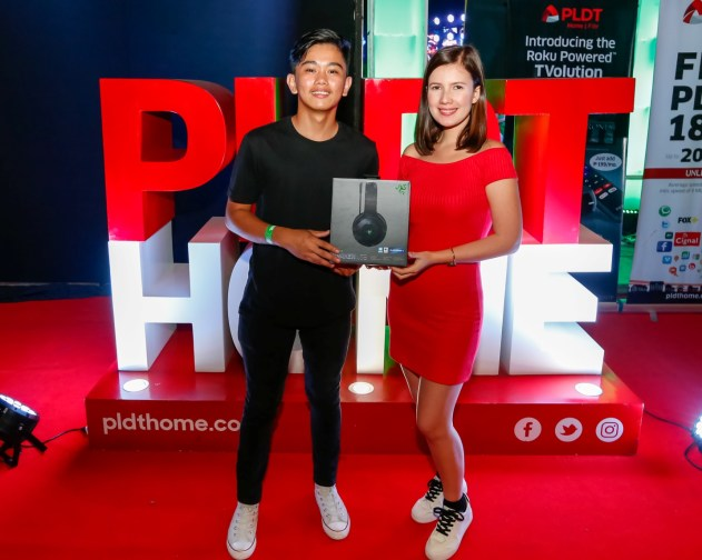 (2) Guests took home premium prizes from PLDT Home's exciting promos