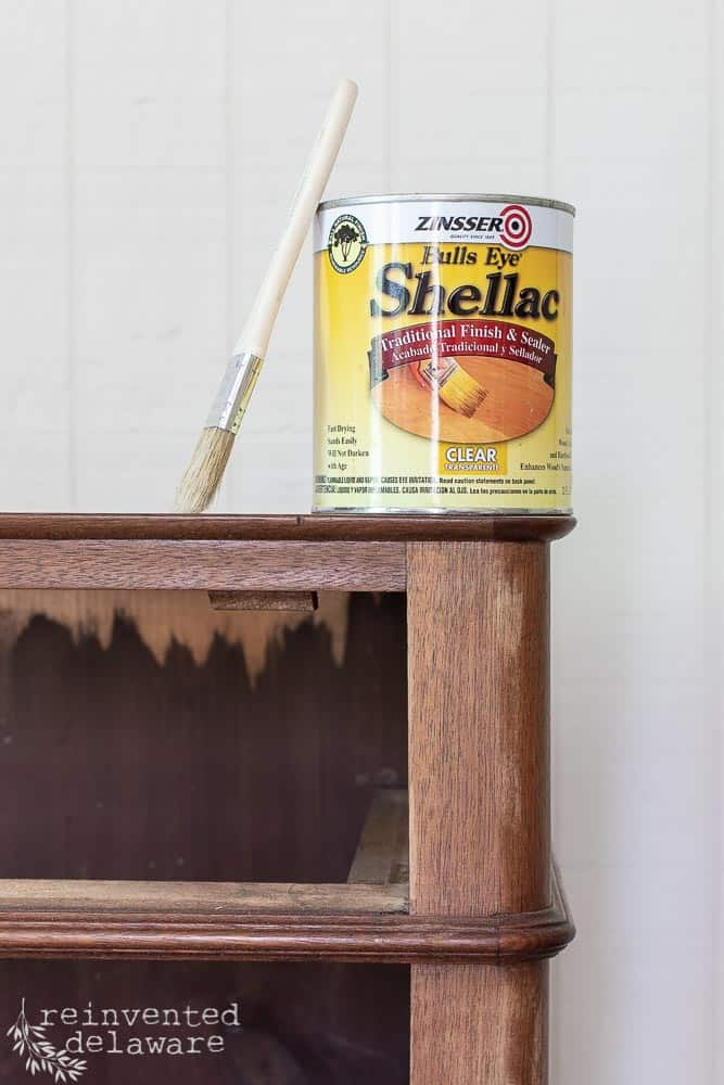 Today I am going to show you how to white wax dark furniture!  This is the perfect way to lighten and brighten dark furniture without painting! #vintagefarmhouse #mmsmilkpaint #paintedfurniture