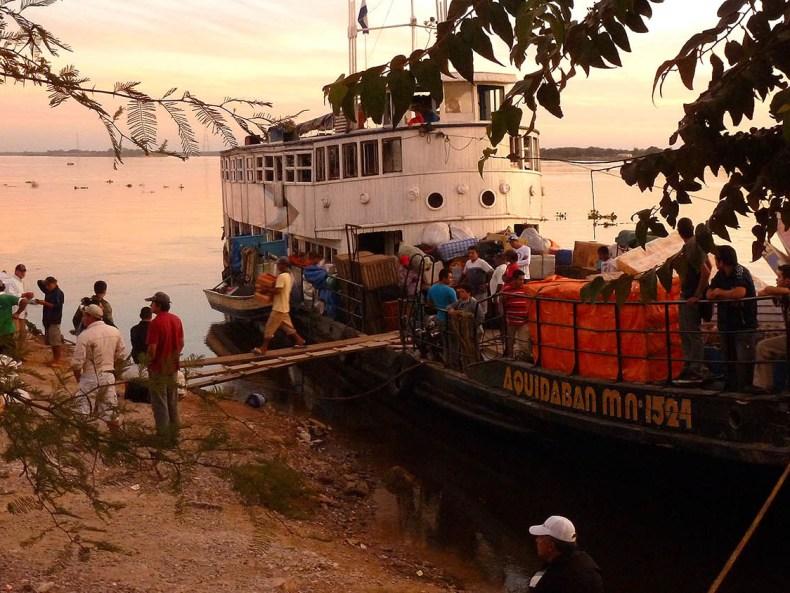 Eine Flussfahrt und andere Katastrophen