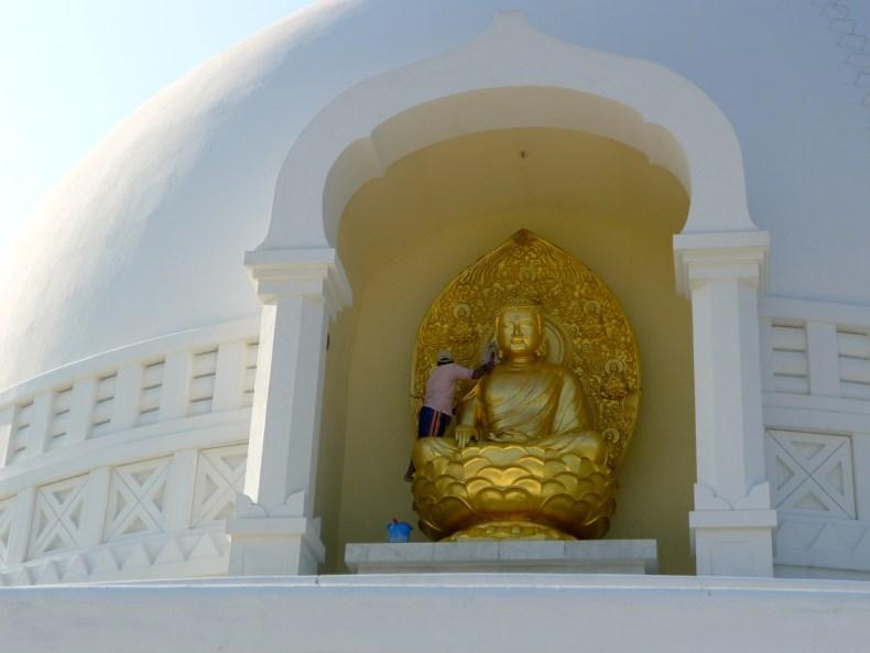 Erleuchtung, Rikschas und nackte Füße – Buddhas Geburtsstadt Lumbini ist eine Art Tempel-Expo