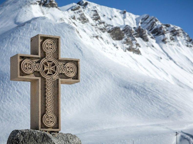 Snowboarden mit Mönchen