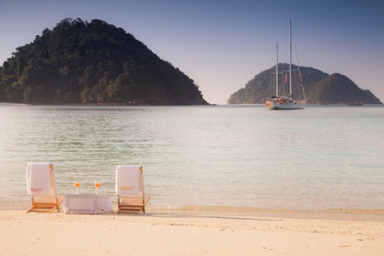 myanar-relax-on-the beach-mergui-archipelago