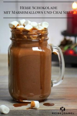 heisse-schokolade-mit-marshmallows-und-chai-sirup-1