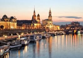 Dresden von der Elbe aus