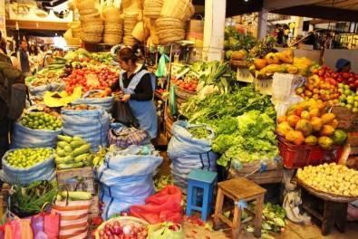 21 - markttreiben_sucre_bolivien (1024x683)