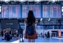 Verbraucher Frau im Flughafen