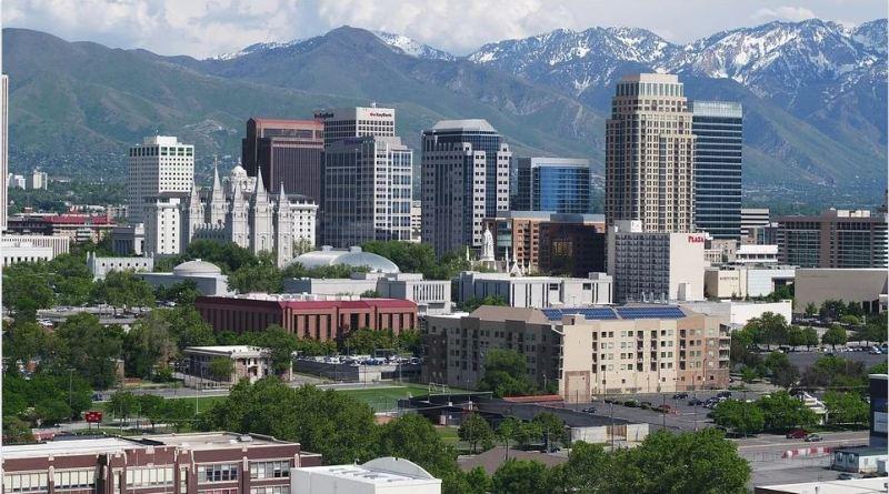 Skyline Salt Lake City mit Rocky Mountains