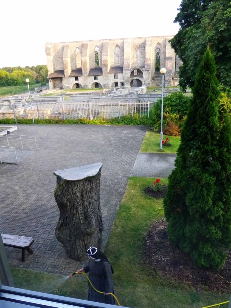 Couchsurfing, schön und gut. Wir lieben es. Allerdings war die Übernachtung im Birgita Kloster ebenfalls wunderbar!