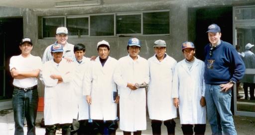 (fast) die ganze Mannschaft: von Links: Mauricio, Leonardo, hinter ihm Daniel, Leonid, Sixto, Dzud, Toribio, Name nicht bekannt, Walter (Grüll)