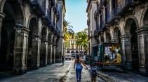 Typische Gasse nahe Rambla- Casa Milà - Barcelona - reisenmitkids.de