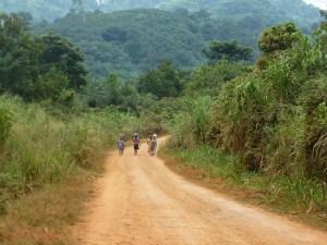 Weg zum Guesthouse am Lake Bosumtwi