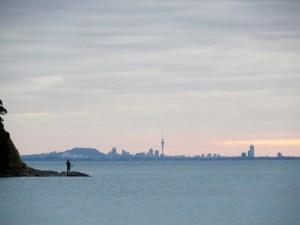 Blick auf Auckland vom Campingplatz auf der Whangaparoa-Halbinsel