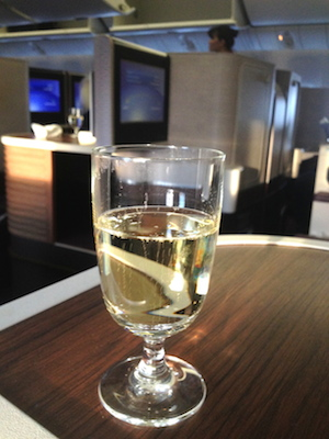 reisetips fly business class champagne