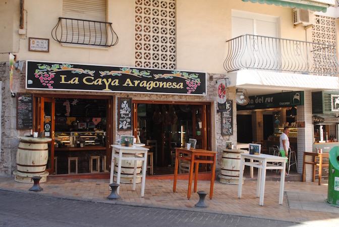 Inngangen til Tapas Alley finner til høyre for La Caya Ara