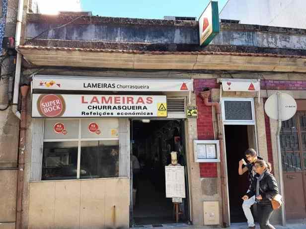 Churrasqueira Lameiras, een van de lokale restaurantjes in Porto