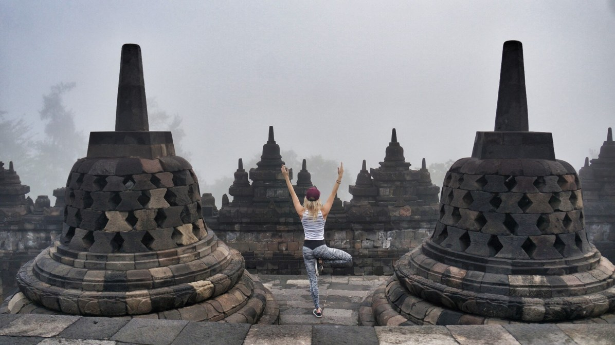 Yoga en reizen bij de Borobudur in Indonesië