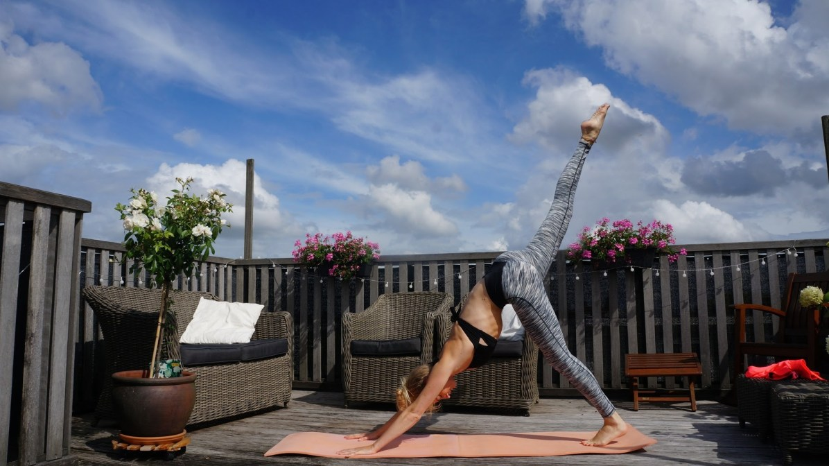Yoga en reizen: One-legged Downward Dog