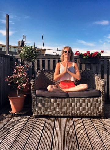 Yoga-oefening: Om zingen
