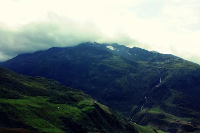 Landschap langs de route van de Glacier Express